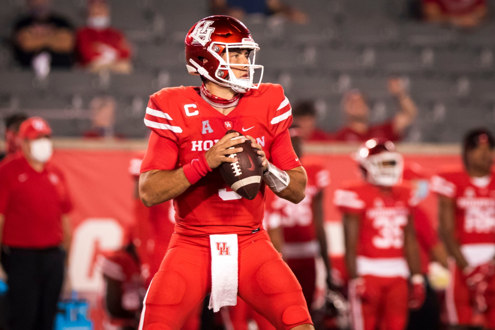 Junior quarterback Clayton Tune drops back to pass in UH's season opener against Tulane. | Courtesy of UH Athletics