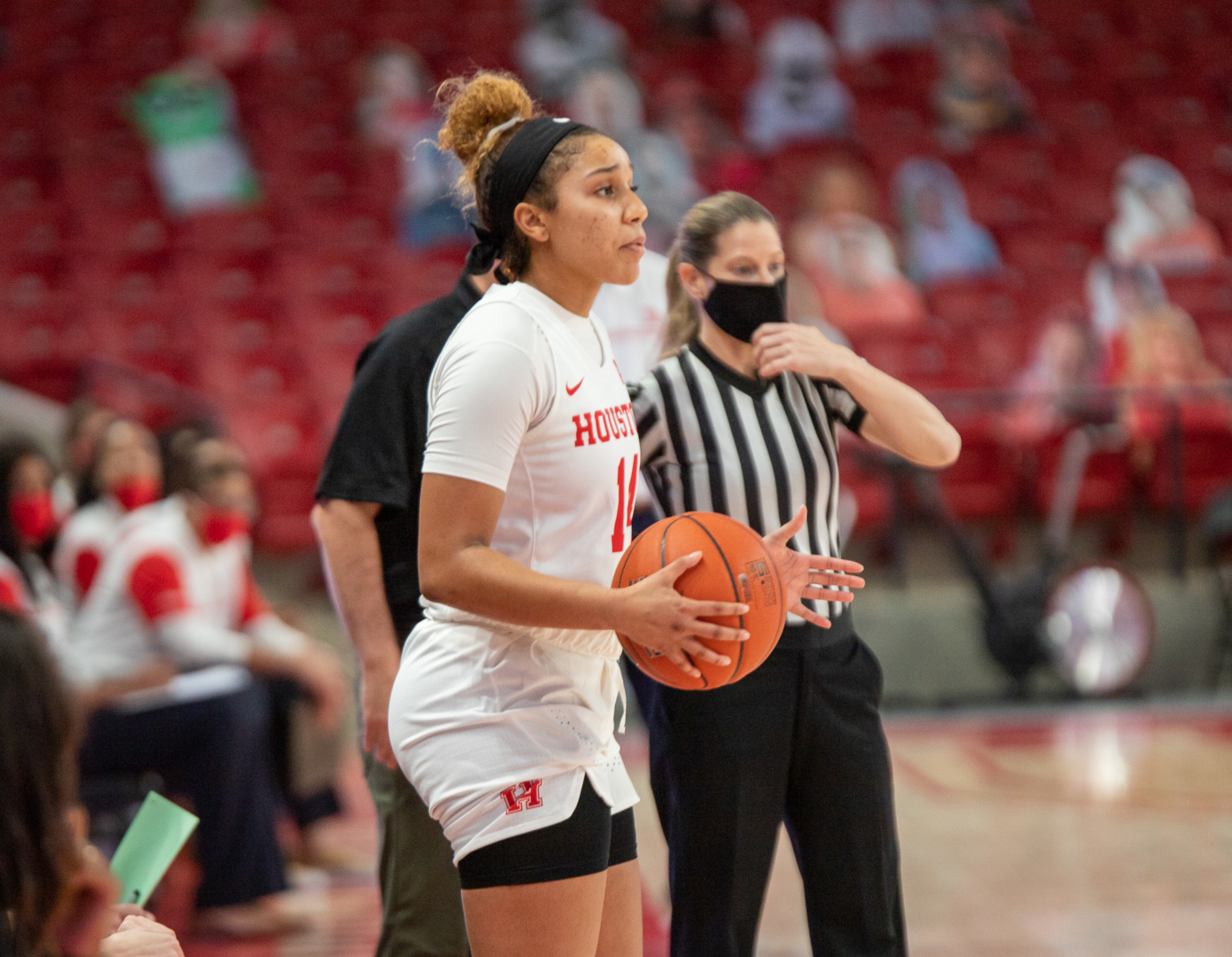 Laila Blair capped off her strong freshman season with a team-high 12 points to lead UH women's basketball over Arizona State | Andy Yanez/The Cougar