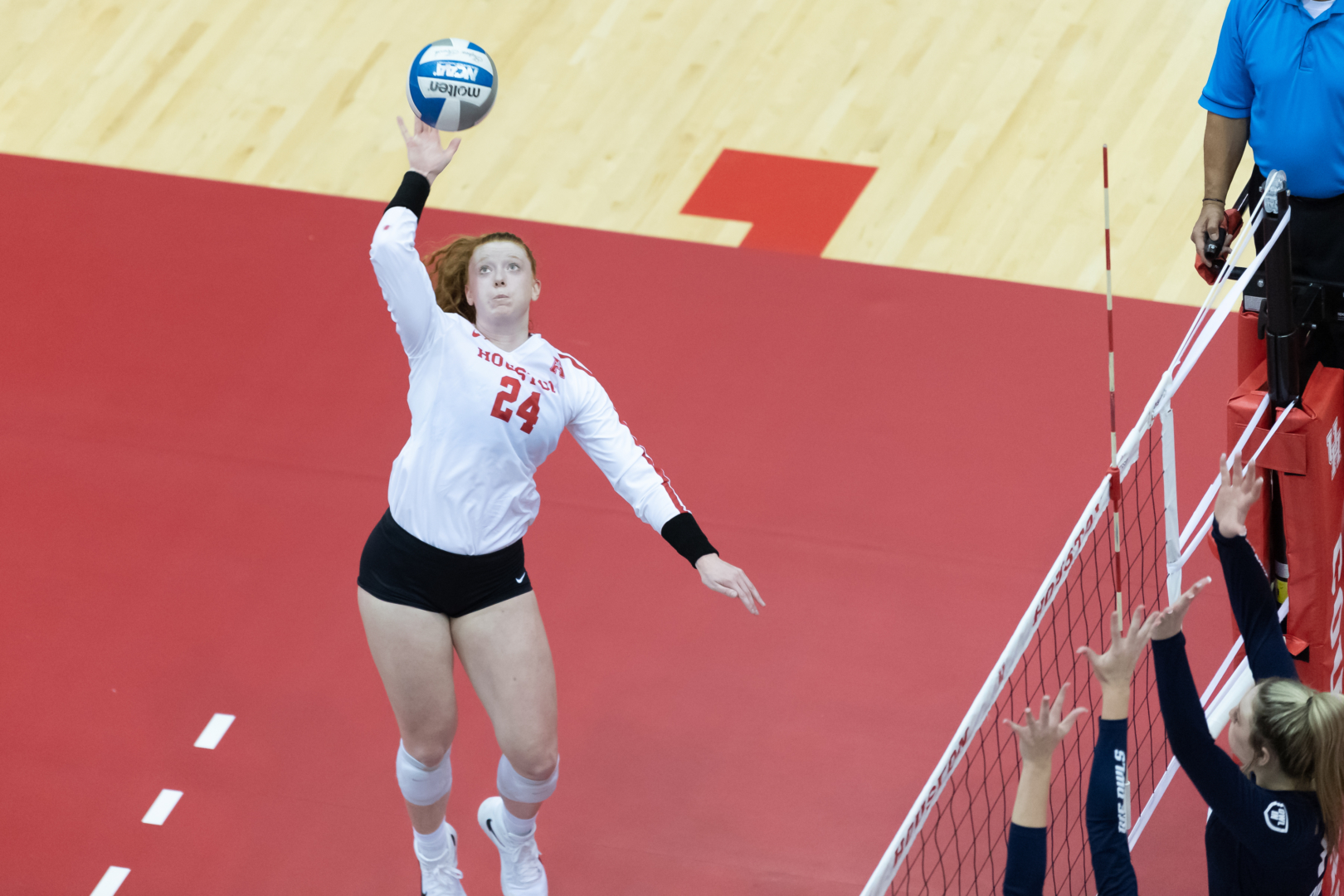 Sophomore outside hitter Abbie Jackson goes for the kill during a 2021 Houston match. The UH volleyball team swept Tulsa over the weekend. | Courtesy of UH athletics