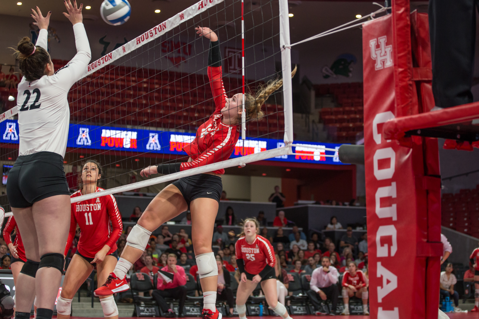 Cougars beat Wichita State in a three-set sweep on Sunday. This followed a loss against Tulsa, which ended Houston's conference win streak.   Trevor Nolley/The Cougar