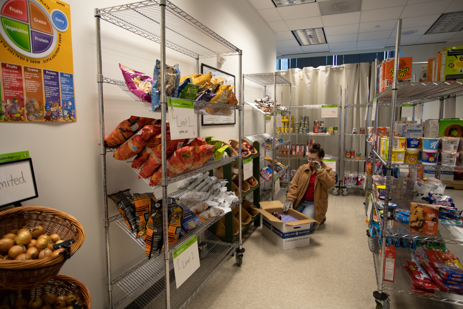 Cougar Cupboard provides perishables and non-perishables to suffice basic nutrition such as fruits, vegetables, dairy, meats, and even essential toiletry items. Students are allowed to take home up to eight pounds of fruits and vegetables, seven pounds of protein, and seven pounds of dry goods a week.