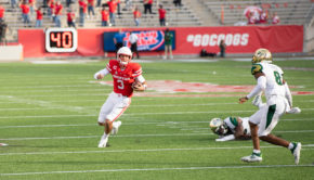 Houston quarterback Clayton Tune had two rushing touchdowns against USF on Saturday at TDECU Stadium. It was his first career multiple rushing touchdown game. | Trevor Nolley/The Cougar