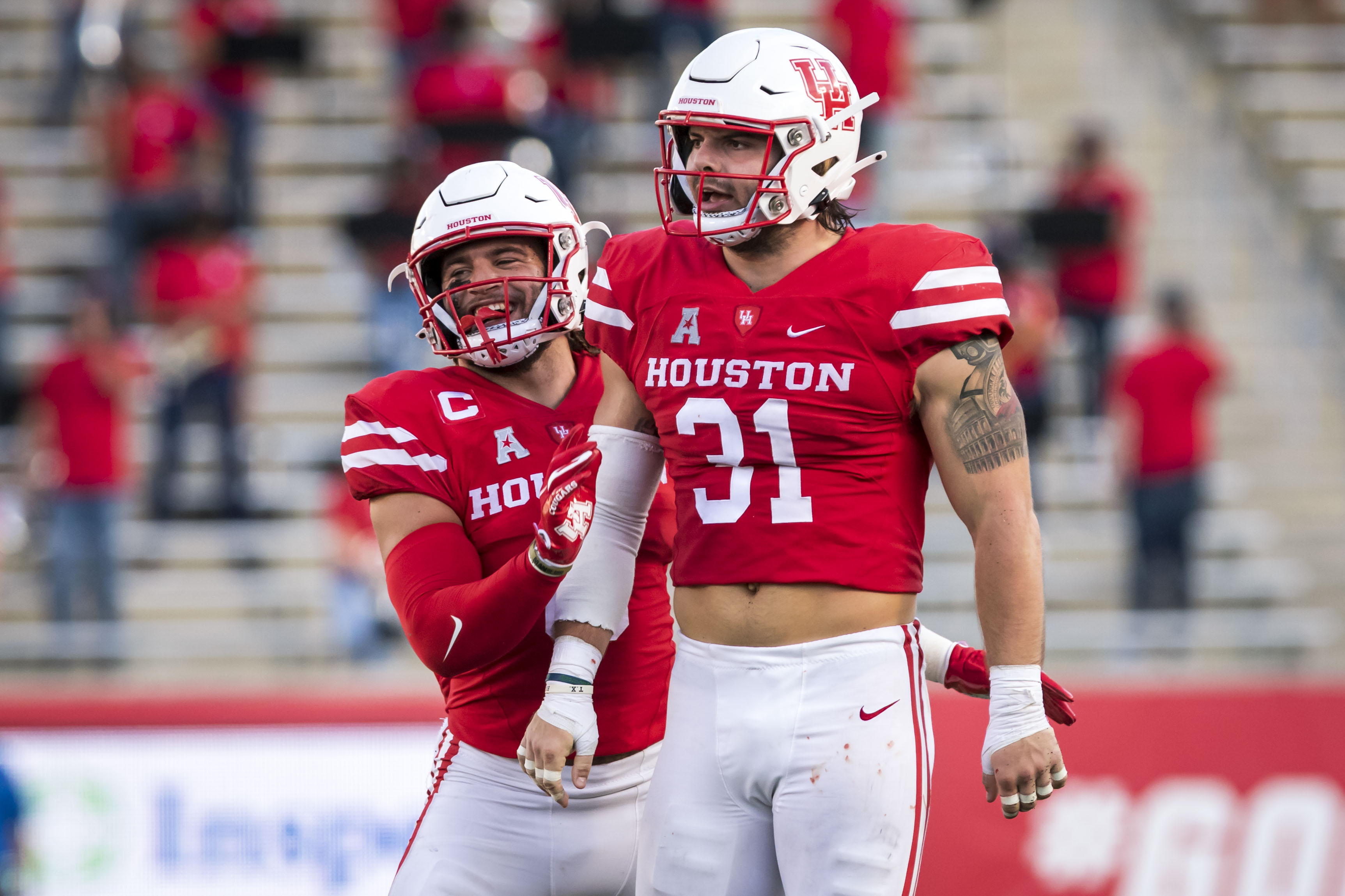 Junior defensive lineman Derek Parish had a huge game against USF, recording five tackles, including 1.5 sacks, and scooping up a fumble and returning it 85 yards for a touchdown |Joe Buvid/UH Athletics.