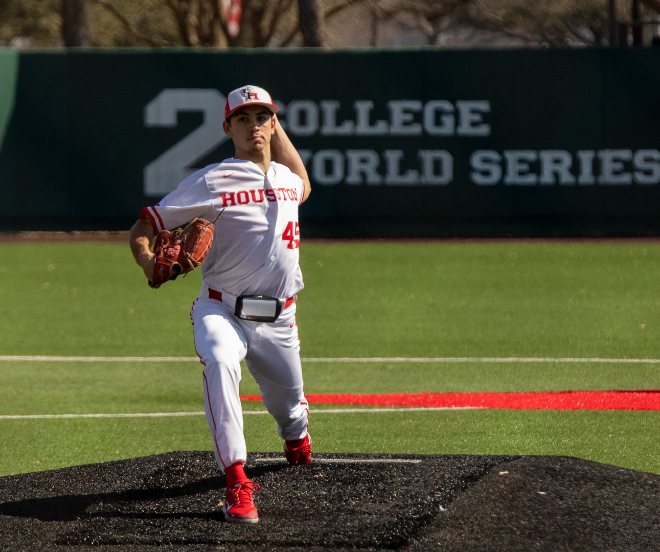 Junior left-hander Robert Gasser has started off the season with a 1.80 ERA and struck out 10 in his first two starts of the 2021 UH baseball season | Andy Yanez/The Cougar